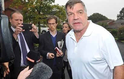 """Big"" Sam Allardyce sẽ làm gì sau khi bị FA ""tống khứ""?"