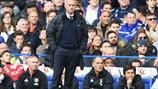 """M.U thua 0-4, Mourinho """"ăn quả đắng"""" ngày về Stamford Bridge"""