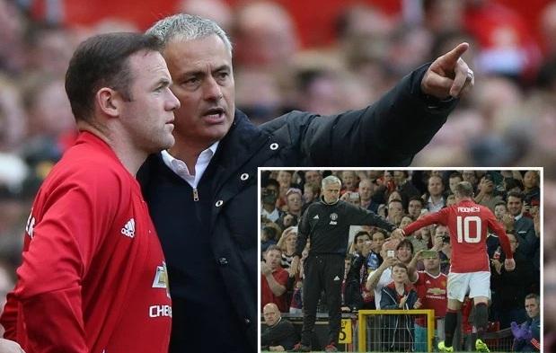 """Mourinho """"đuổi khéo"""", Rooney nên làm gì?"""