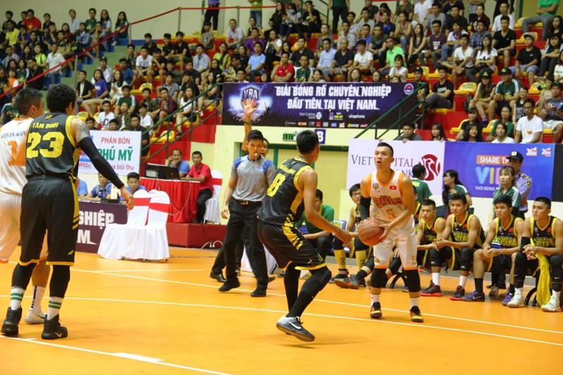 Danang Dragons giành suất tham dự vòng bán kết
