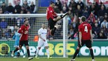 """Pogba, Ibrahimovic tỏa sáng trở lại, M.U có """"3 điểm bỏ túi"""" từ Swansea"""