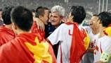 HLV Calisto động viên ĐT Việt Nam trước trận đấu với Indonesia