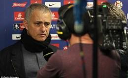 """HLV Mourinho: """"Chelsea đã là nhà vô địch, còn tôi có quá nhiều thứ cần suy nghĩ"""""""