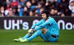 Cech nghỉ dài hạn, Arsenal đã khổ càng thêm khốn khó