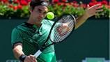 """Vòng 2 Miami Open: """"Tàu tốc hành"""" Roger Federer gặp khó"""
