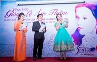 Hồ Quỳnh Hương bất ngờ được Hollywood chào đón