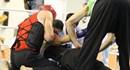 """Võ sĩ người Nga """"cấp cứu"""" đối thủ ngay trên sàn đấu tại giải Võ cổ truyền Việt Nam"""