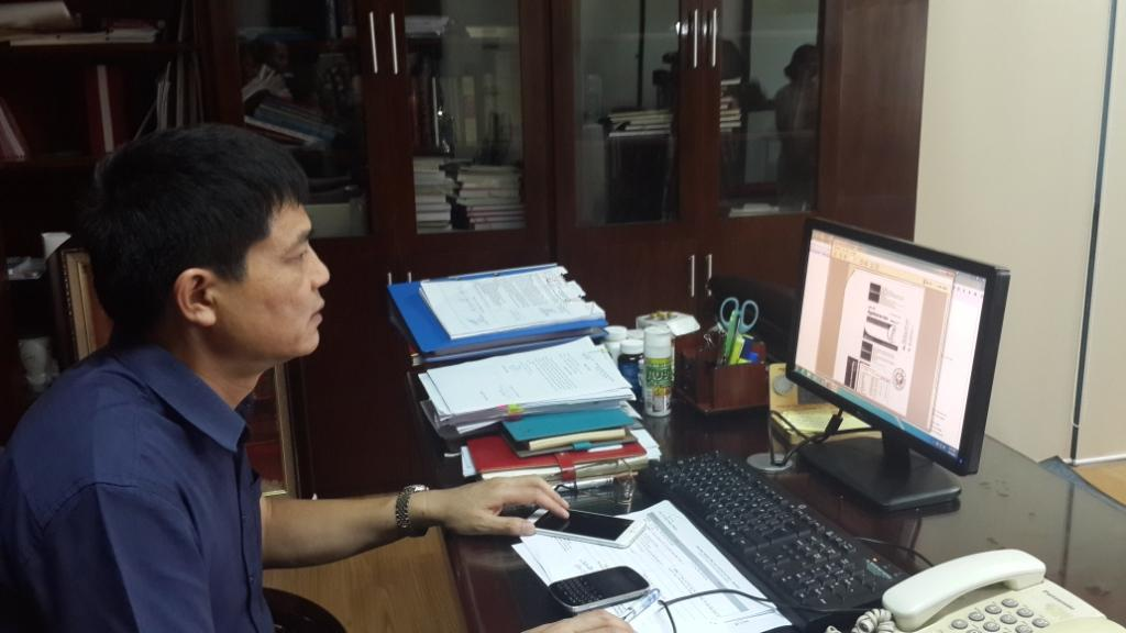 Kết quả hình ảnh cho Cục trưởng cục ATTP Bộ Y tế duyệt các hồ sơ công bố sản phẩm thực phẩm qua mạng
