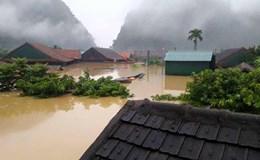 Lũ lụt miền Trung và những bức ảnh lay động tâm can