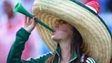 Chùm ảnh: Những bóng hồng World Cup vẫn đua sắc rực rỡ