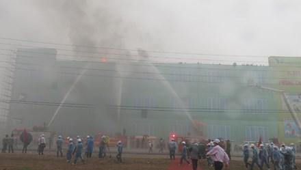 Phát động Tuần lễ Quốc gia ATVSLĐ, PCCN lần thứ 15 năm 2013