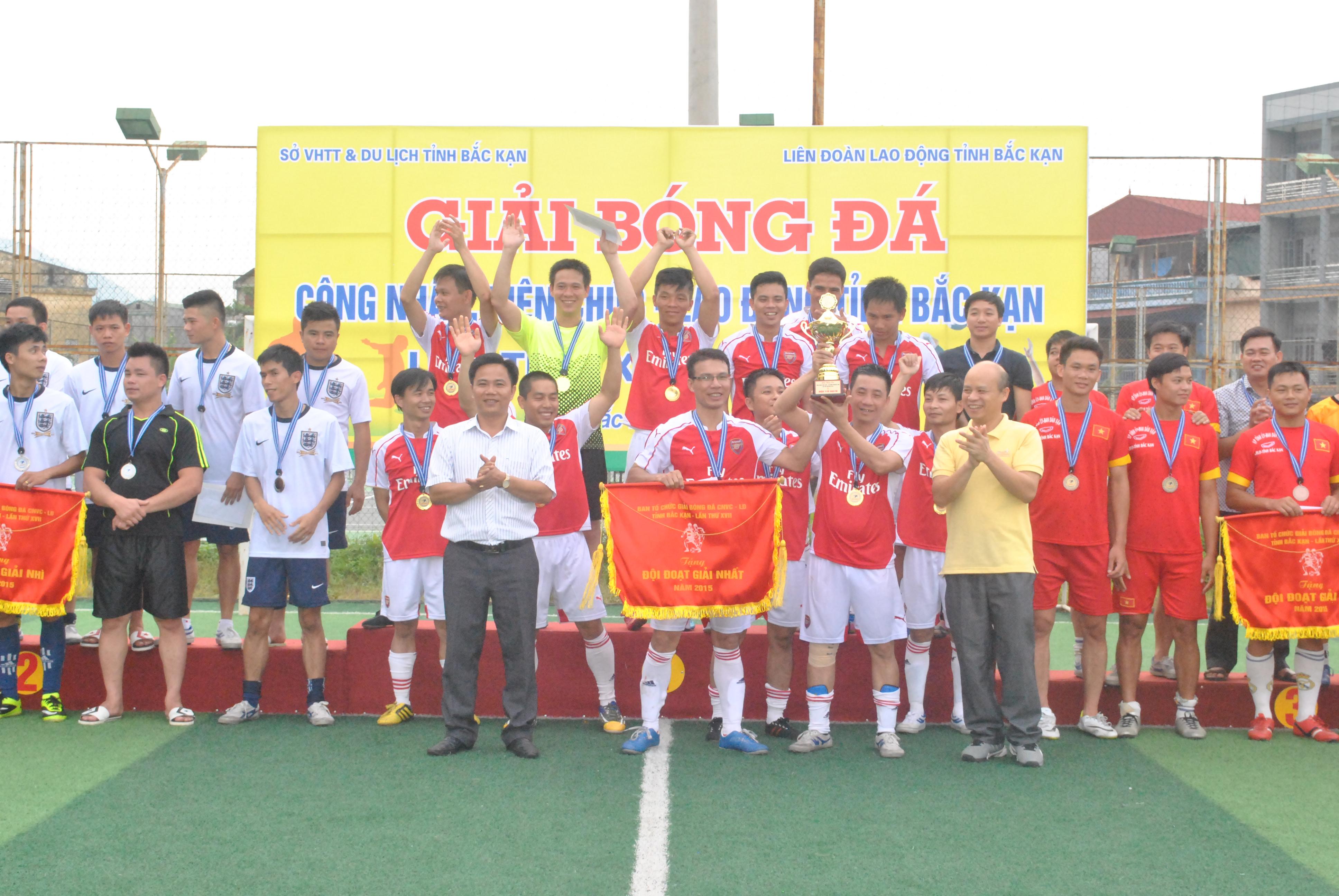 Giải bóng đá CNVCLĐ tỉnh Bắc Kạn lần thứ XVII năm 2015: Đội bóng đá Cty Điện lực Bắc Kạn giành Huy chương vàng
