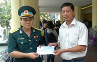 Quỹ Tấm lòng vàng Lao Động thăm hỏi, trao hỗ trợ 10 triệu đồng tới gia đình hai sĩ quan phi công hy sinh