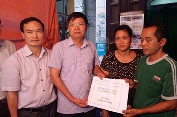 Quỹ TLV Lao Động chi 53 triệu đồng hỗ trợ gia đình có người thiệt mạng và bị thương do mưa lũ ở Quảng Ninh