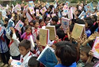 Những tấm lòng vàng đến với học sinh vùng cao Hà Giang