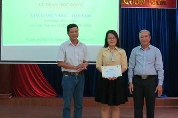 Trao học bổng Tấm Lòng Vàng - Đại Nam tại TP.Hồ Chí Minh