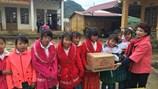 Trao xuân yêu thương, khích lệ thầy trò Tiểu học Đông Sang