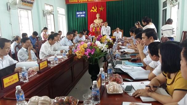 Bộ Nội vụ làm việc với huyện Kỳ Anh (Hà Tĩnh) sáng 26.10. Ảnh: T.T