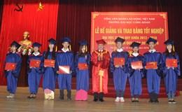 Trường Đại học Công đoàn: Trao Bằng tốt nghiệp cho 2.000 sinh viên