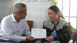 Quỹ Tấm lòng vàng trao 10 triệu đồng hỗ trợ thân nhân liệt sĩ Gạc Ma
