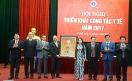 """Thủ tướng Nguyễn Xuân Phúc chất vấn Bộ Y tế: """"Tại sao người giàu ra nước ngoài chữa bệnh nhiều thế?"""""""