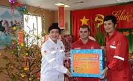 Chủ tịch Tổng LĐLĐVN Bùi Văn Cường chúc Tết người lao động trên giàn khoan dầu khí