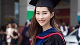 Hoa hậu Đặng Thu Thảo rạng rỡ ngày nhận bằng tốt nghiệp đại học