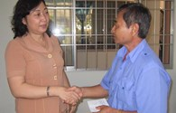 LĐLĐ tỉnh Vĩnh Long:  Hỗ trợ 29 đoàn viên chữa bệnh