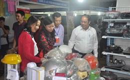 Hội chợ hàng Việt phục vụ công nhân lao động