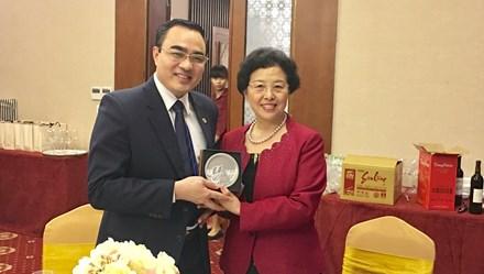 Hợp tác giữa Tổng Công hội tỉnh Vân Nam (Trung Quốc) và LĐLĐ tỉnh Lào Cai