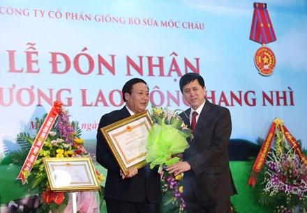 Mộc Châu Milk đón nhận 2 Huân chương lao động hạng Nhì - ảnh 1