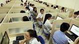 Hàng nghìn thí sinh bước vào kì thi đánh giá năng lực vào Đại học Quốc gia
