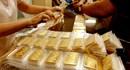 Vàng rơi vào vòng xoáy giảm giá, mức chênh với thế giới lên 2,4 triệu đồng/lượng.