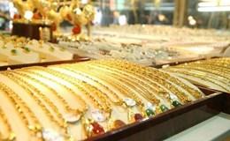 Giá vàng ngày 24.2: Vàng tăng vọt chạy đua với đồng USD