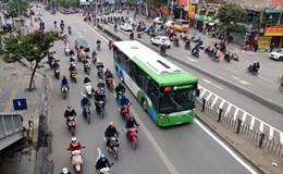 Xe buýt và xe máy, chúng ta chỉ có 1 lựa chọn