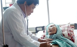 Bít mạch máu, cứu sống bà cụ 90 tuổi bị chảy máu ồ ạt