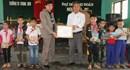 Quảng Trị: Trao tặng hơn 600 đầu sách cho học sinh làng Võ Xá