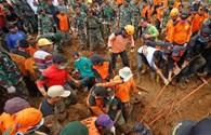 Sạt lở đất nghiêm trọng tại Indonesia, 10 người chết và mất tích