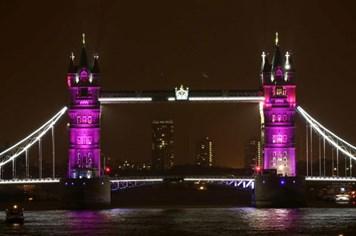London rực sắc hồng chào đón tiểu công chúa