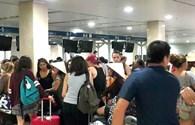 Sự cố thông tin ở sân bay Nội Bài, Tân Sơn Nhất: Hàng trăm hành khách chờ làm thủ tục