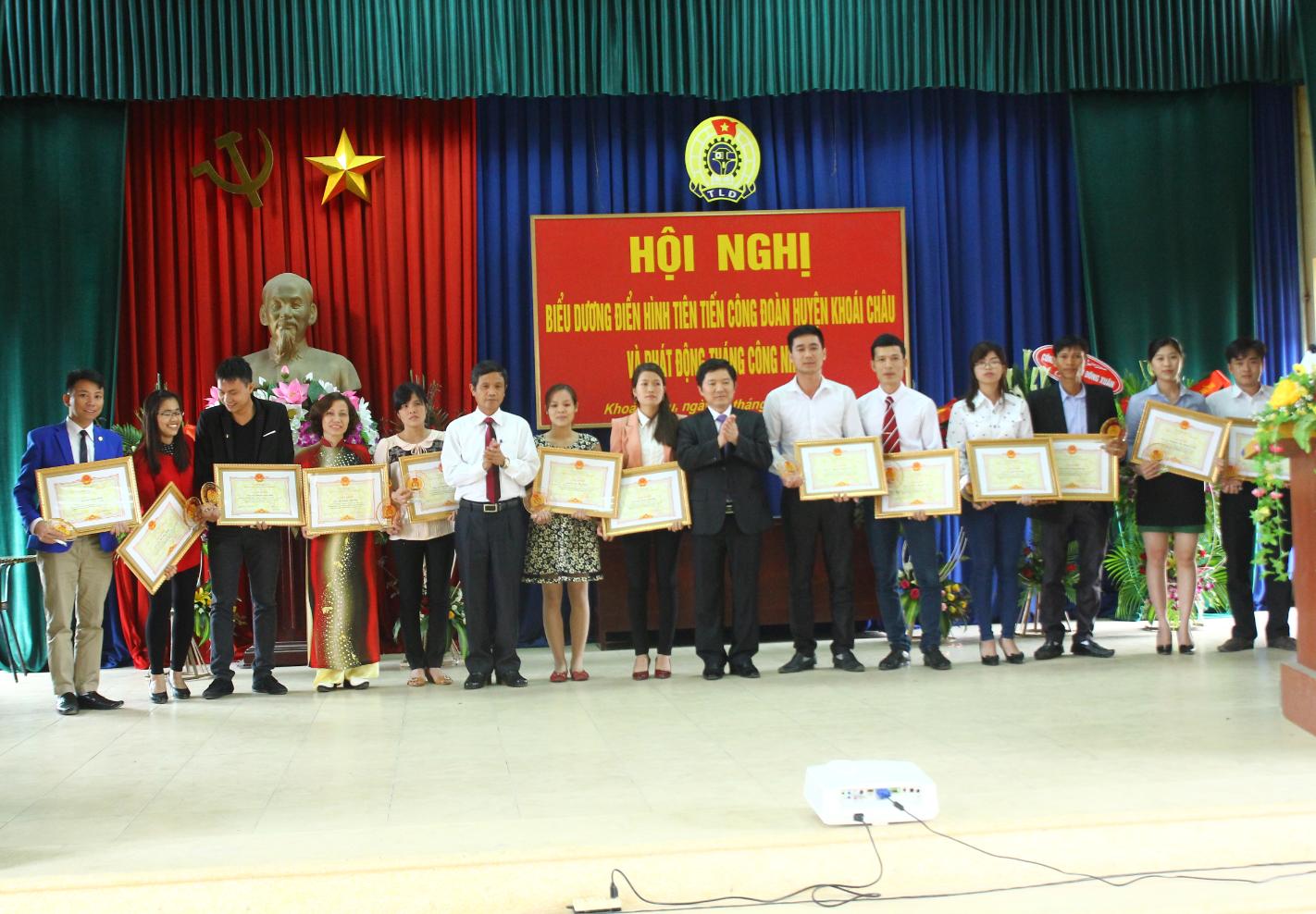 LĐLĐ huyện Khoái Châu :   Biểu dương điển hình tiên tiến giai đoạn 2013-2015