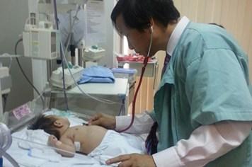 """Thế giới """"nghiêng mình"""" trước trình độ của thầy thuốc Việt"""