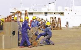 Người lao động tay nghề thấp đứng trước nguy cơ bị thay thế