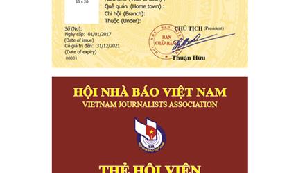 Hội Nhà báo Việt Nam trao thẻ hội viên giai đoạn 2016-2021