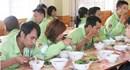 Bữa ăn ca của công nhân cần ấn định bằng 1% lương tối thiểu vùng