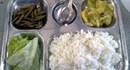 Bữa ăn công nhân: Đã ít còn bị xà xẻo