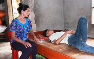 LD16100: Lời khẩn cầu của cậu bé mồ côi cùng mẹ kiếm tiền ghép thận