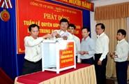 LĐLĐ TP. Đà Nẵng trao hơn 94 triệu đồng ủng hộ đồng bào miền Trung bị lũ lụt