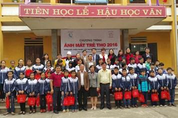 700 trẻ em được khám, chăm sóc mắt miễn phí