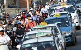 Xăng dầu giảm giá, cước vận tải đứng im: Hành khách đang bị chiếm đoạt